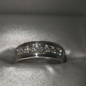 Mens wedding band with 7 diamonds